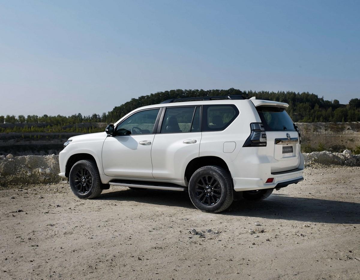 В Украине стартуют продажи обновленного Toyota Land Cruiser Prado 2021 2