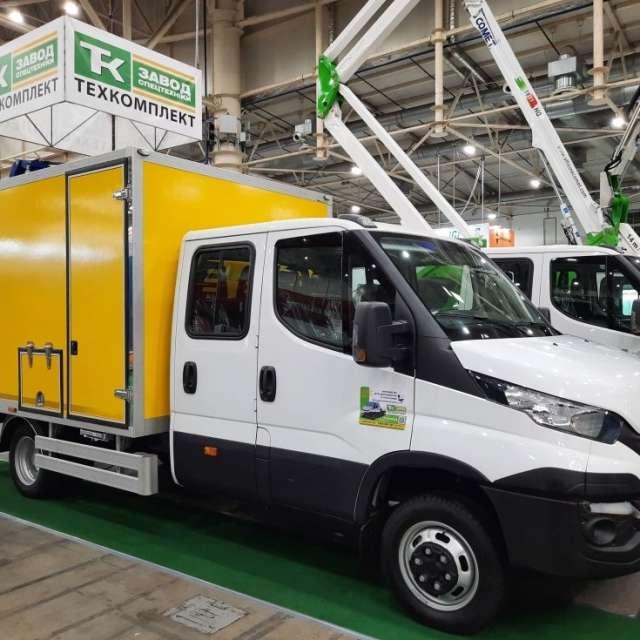 Отечественный производитель представил специализированный автомобиль для дорожных служб 1