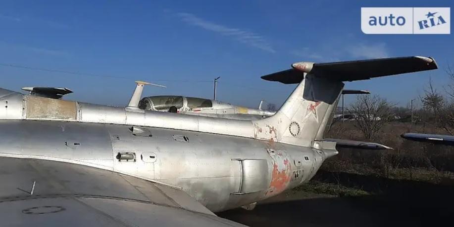 В Украине выставили на продажу самолет 2