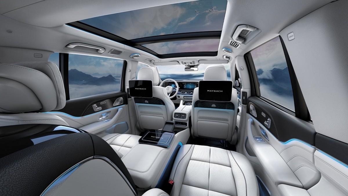 Представлен бюджетный кроссовер Mercedes-Maybach  3