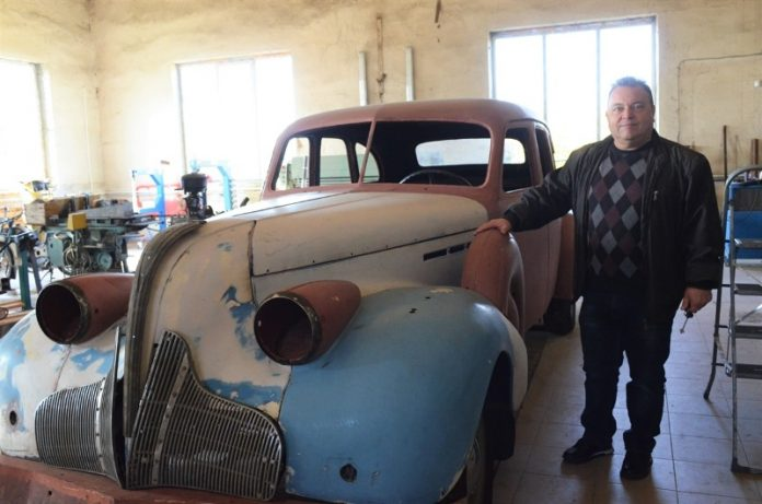 Украинец собрал уникальную коллекцию ретроавтомобилей 1