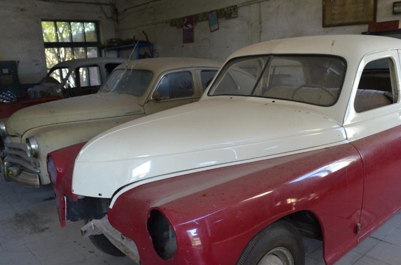 Украинец собрал уникальную коллекцию ретроавтомобилей 5