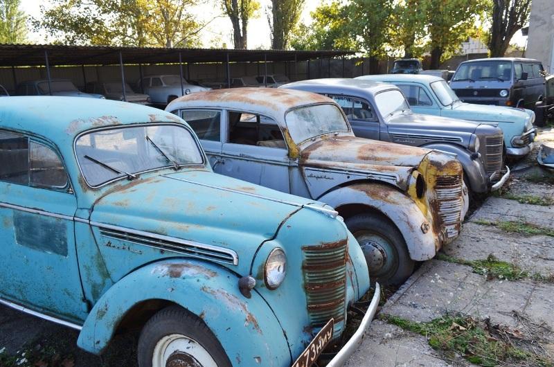 Украинец собрал уникальную коллекцию ретроавтомобилей 4