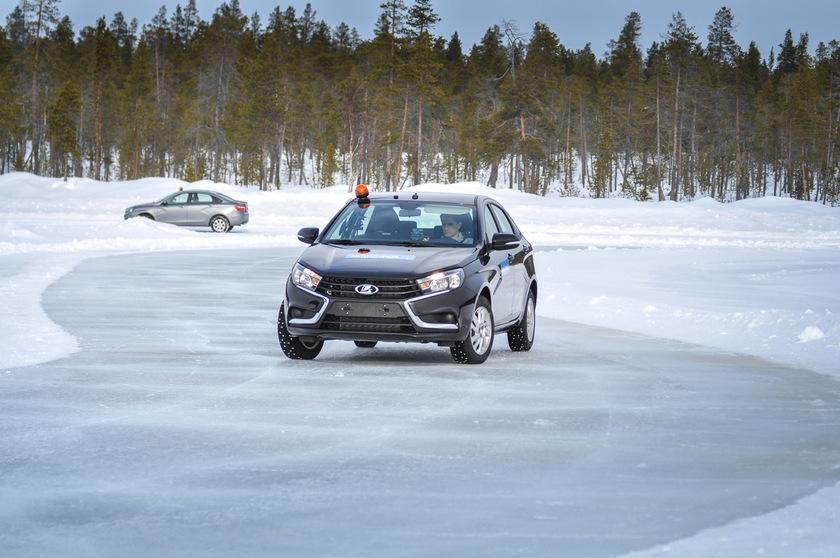 Финны купили новые Lada Vesta, а потом «выбросили» их 1