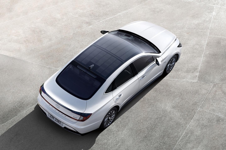У Hyundai появилась модель с необычной крышей 1