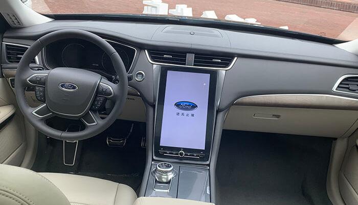 Ford представил роскошный аналог модели Mondeo 1