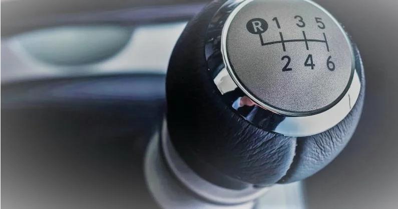 Пять ошибок водителя, при которых страдает механическая коробка передач 1