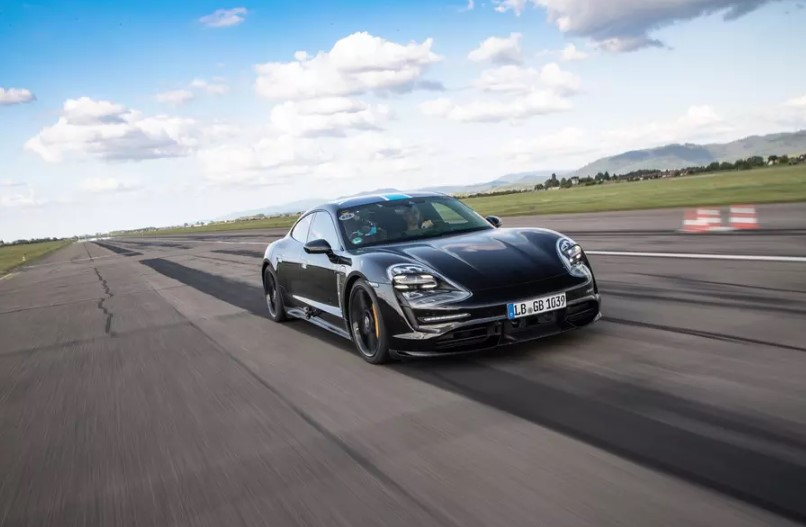 Porsche Taycan 26 раз подряд разогнался до 200 км/ч без потери мощности 1