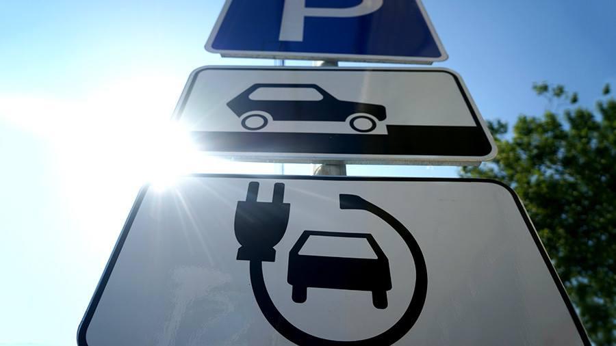 Зеленский подписал закон о штрафах для водителей автомобилей с ДВС 1