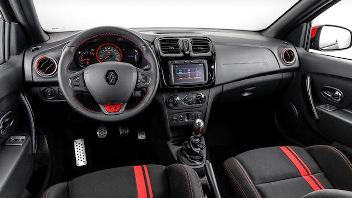 Renault представила обновленный хэтчбек Sandero R.S 2