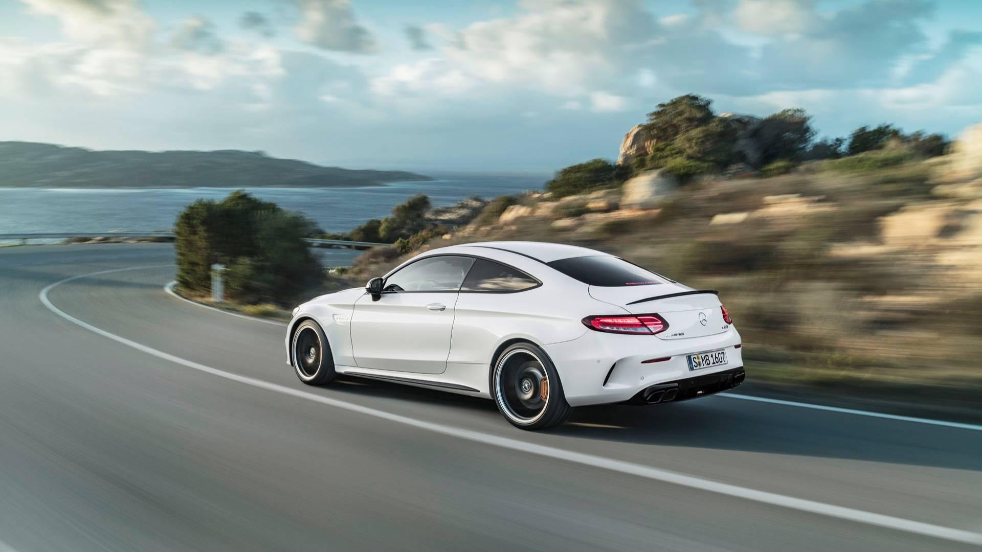 Mercedes-AMG C63 получит полный привод 2
