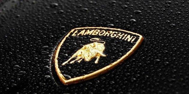 Lamborghini решили нанести удар по франкфуртскому автосалону 1