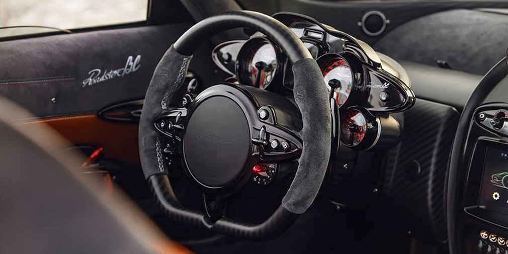 Pagani представила 800-сильный родстер за 3 миллиона евро 3