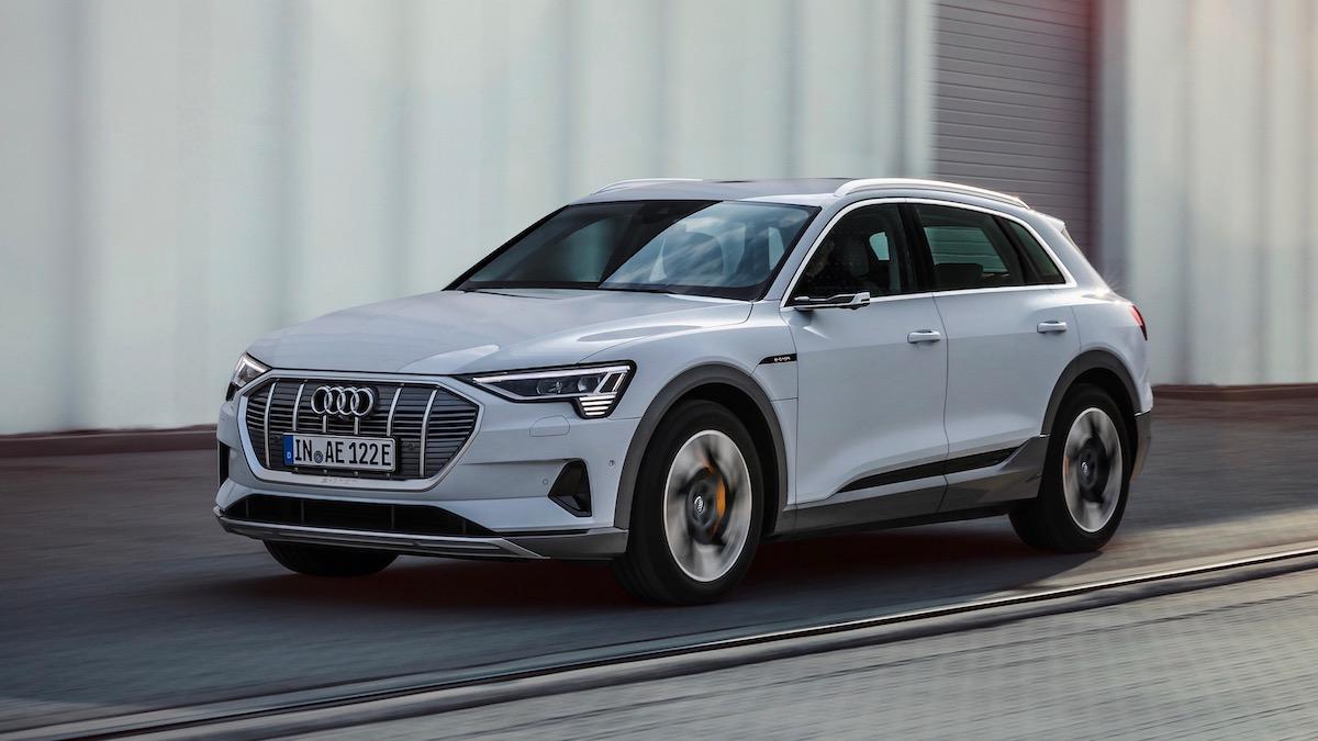 Электрокроссовер Audi стал слабее и дешевле 1