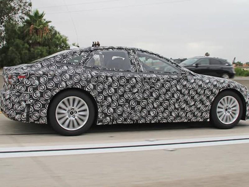 Водородный Lexus LS засветился на тестах 1