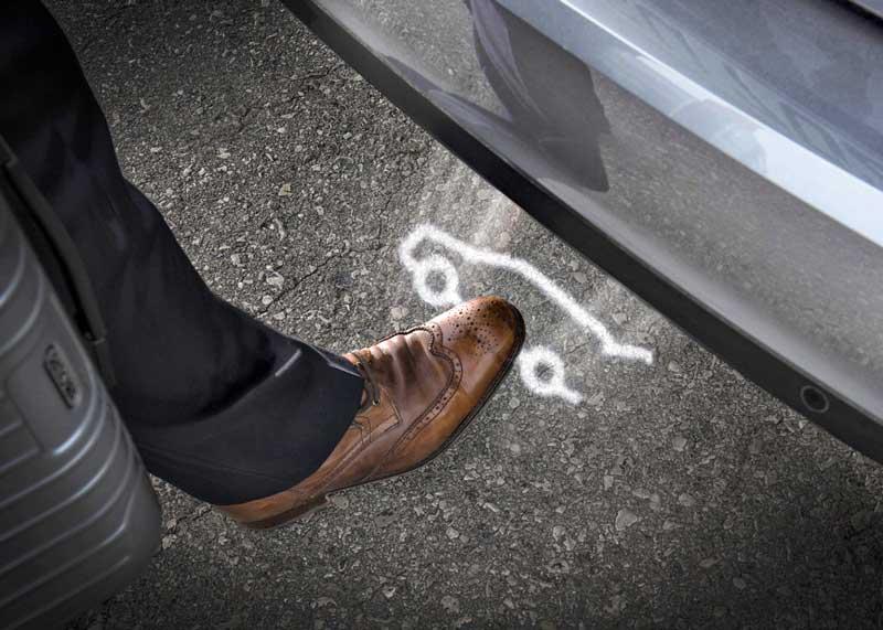 Как работает система открывания багажника махом ноги 1
