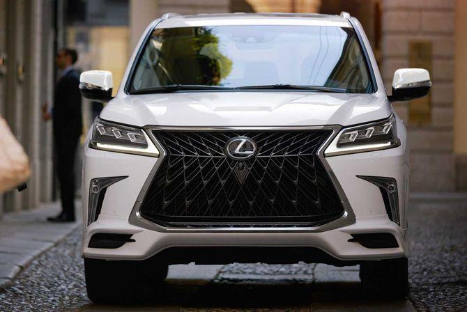 Lexus LX570 теперь понравится богачам ещё больше 1