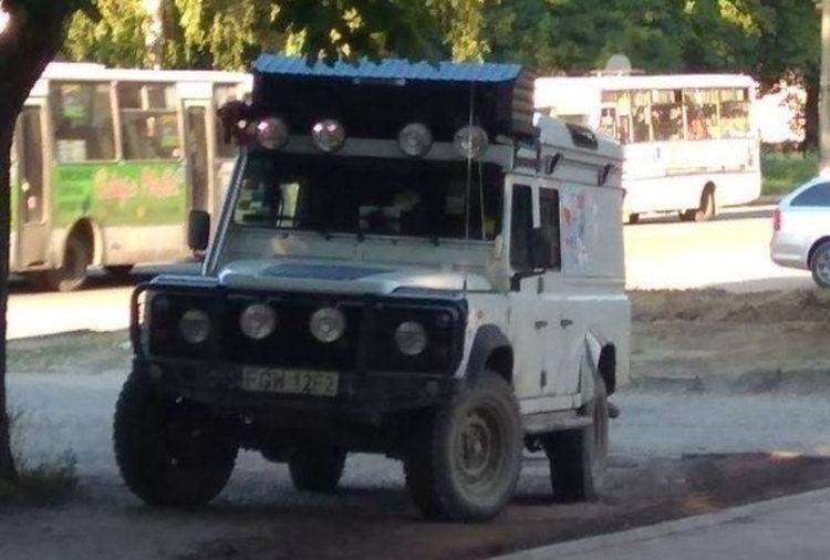 В Украине замечен уникальный Land Rover Defender 1