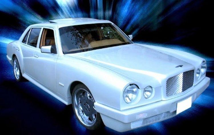 Японцы превратили старый Mercedes S-Class в Bentley 2