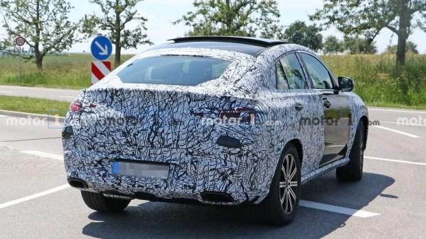 На тестах замечен прототип обновленного Mercedes GLE Coupe 2