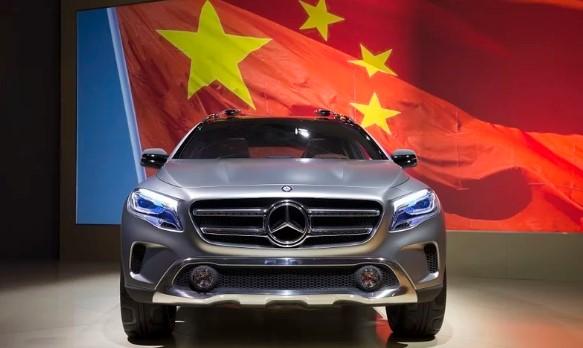 Китайский холдинг стал совладельцем производителя «Мерседесов» 1