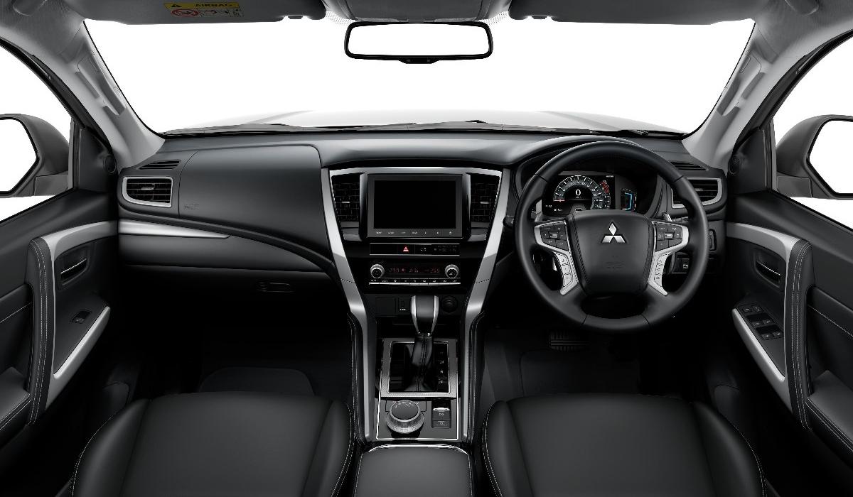 Рассекречен обновленный Mitsubishi Pajero Sport 3