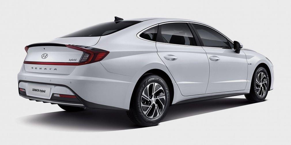 Hyundai представил Sonata с солнечной батареей 1