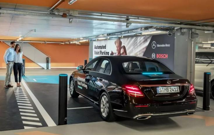 Mercedes представил первую в мире беспилотную парковку 2
