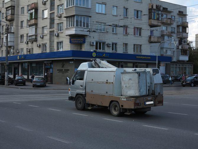 Интересный грузовик Toyota на украинских дорогах 2