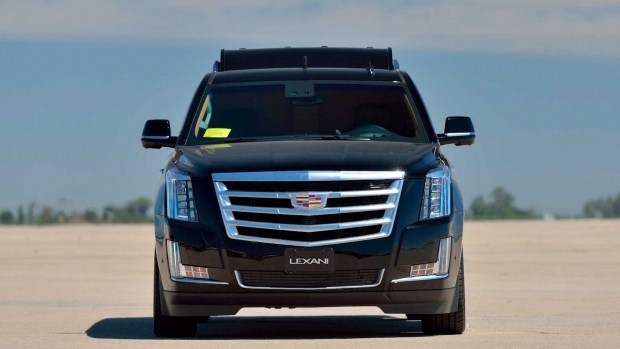 Удлиненная версия внедорожника Cadillac Escalade выставлена на продажу 1