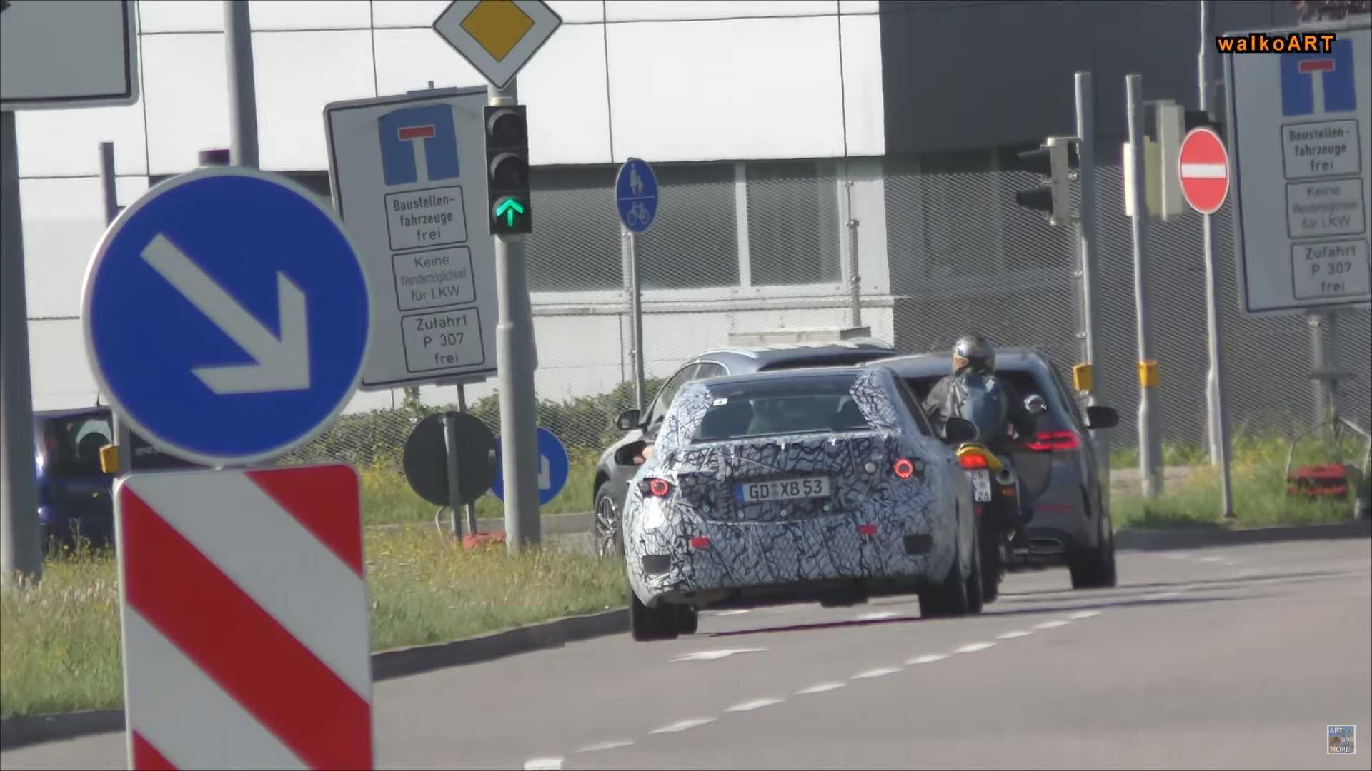 Появились фото Mercedes-Benz C-class нового поколения 1
