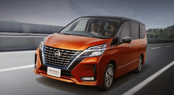 Компания Nissan обновила минивэн Serena 1