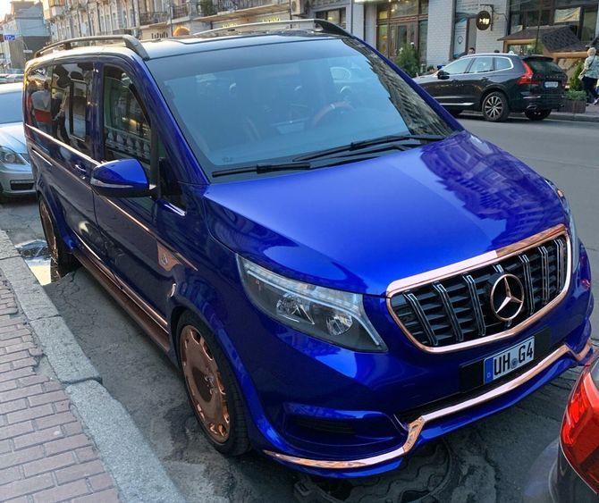 В Украине засветилась экзотическая маршрутка Mercedes-Maybach 1