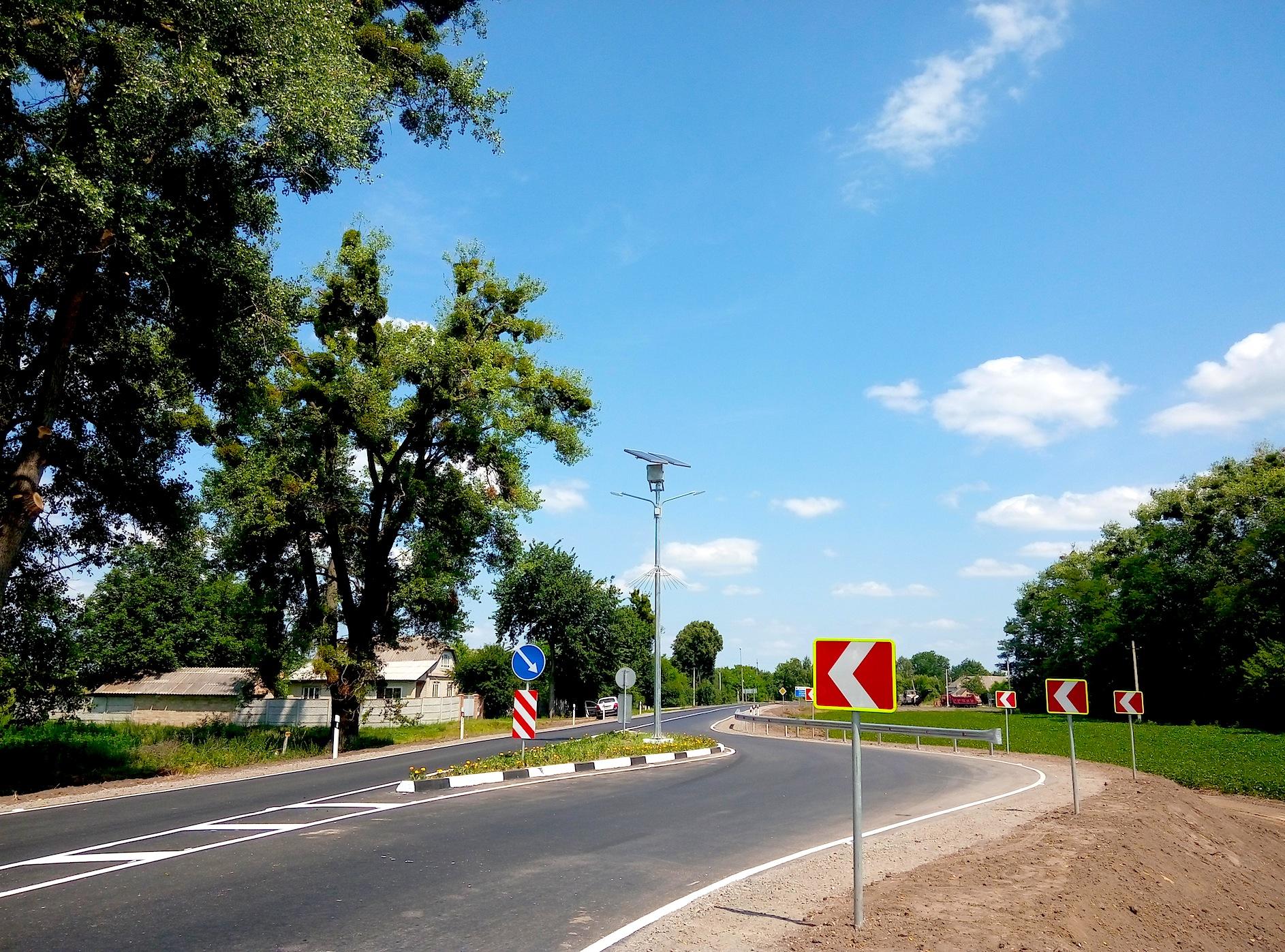 Укравтодор установит на дорогах 90 точек с автономным освещением 1