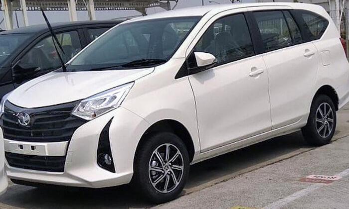 Toyota выпустила обновленный минивэн Calya 1