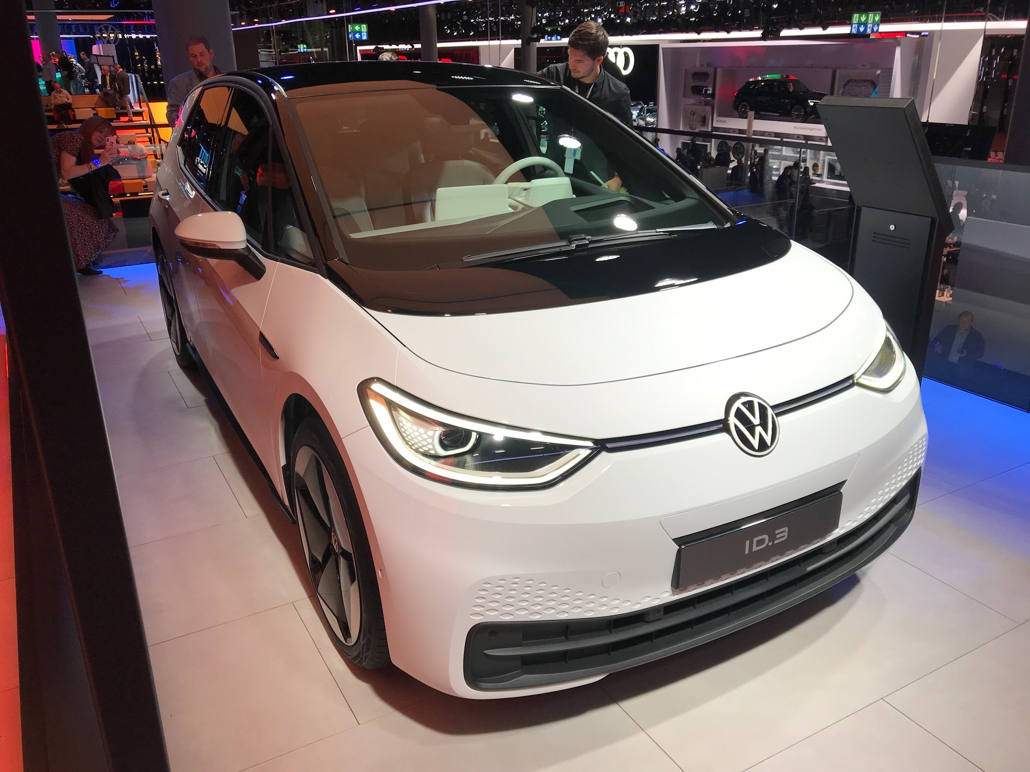 Бренд Volkswagen изменил свой логотип и стратегию 1