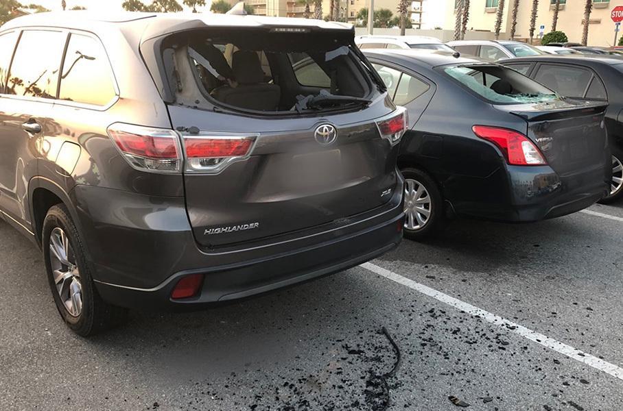 «Борец с мафией» разбил два десятка машин на парковке 2