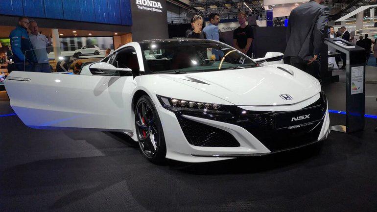 Состоялся дебют новой Honda NSX 1