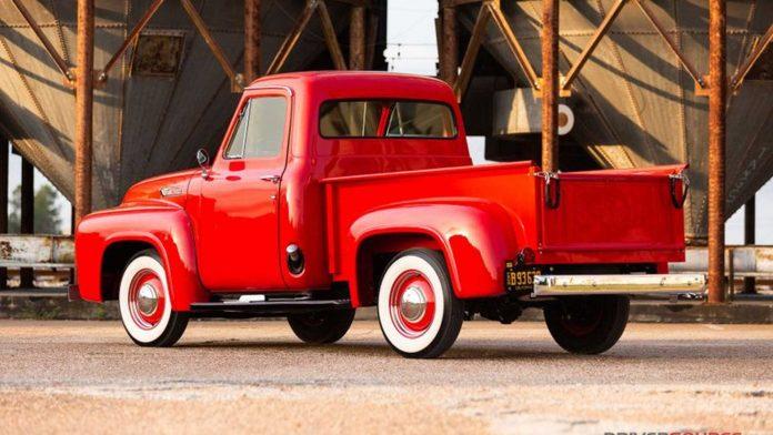 В продажу поступил 66-летний пикап Ford 2