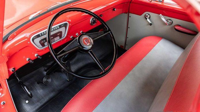 В продажу поступил 66-летний пикап Ford 3