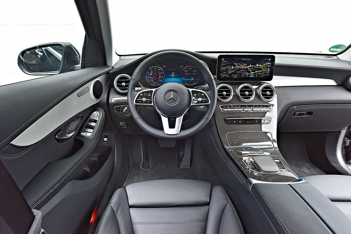 «Счастье или разочарование»: сравнительный тест Mercedes-Benz GLC и BMW X3 4