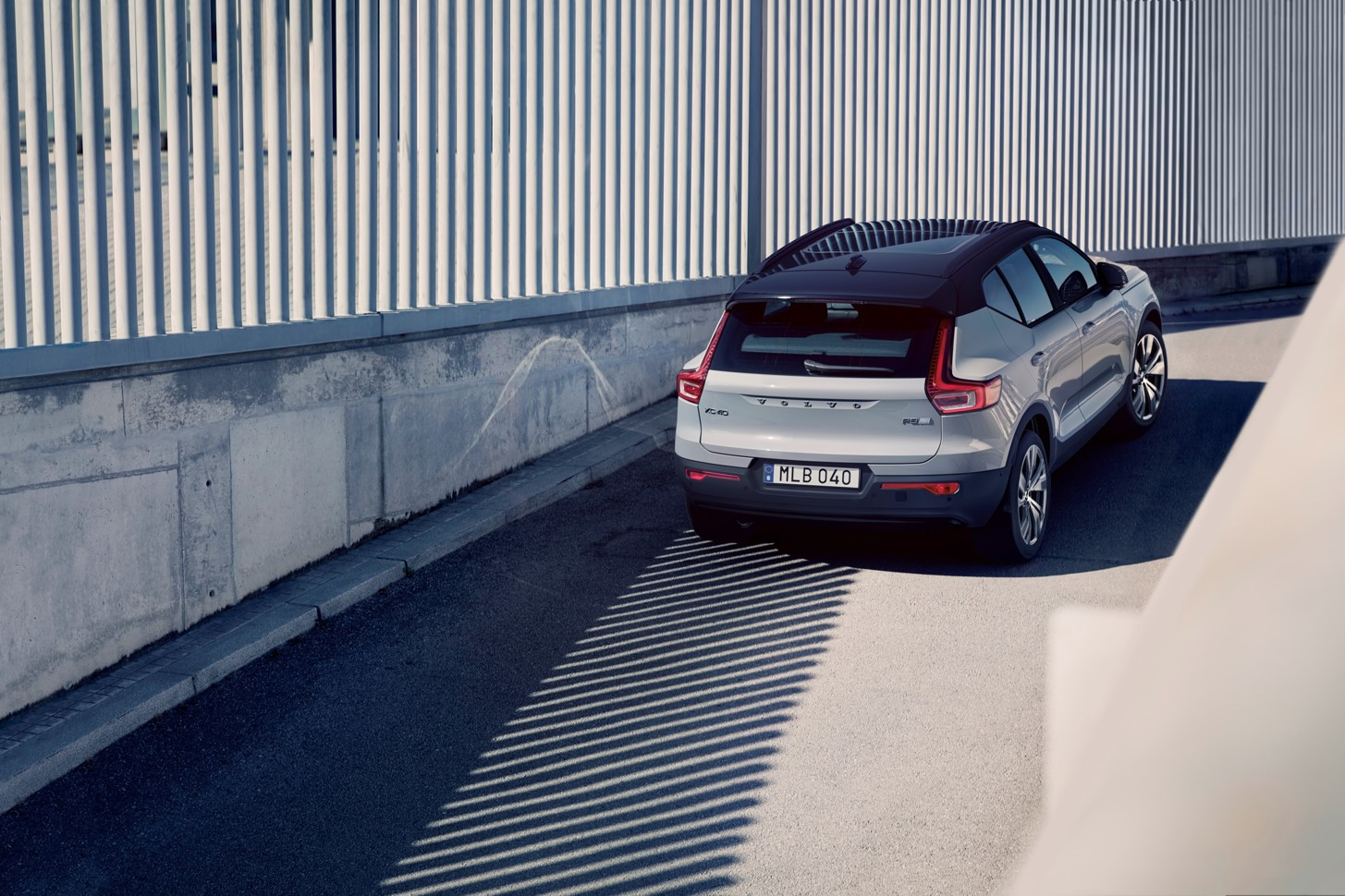 Компания Volvo представила самый крутой электрокроссовер 1