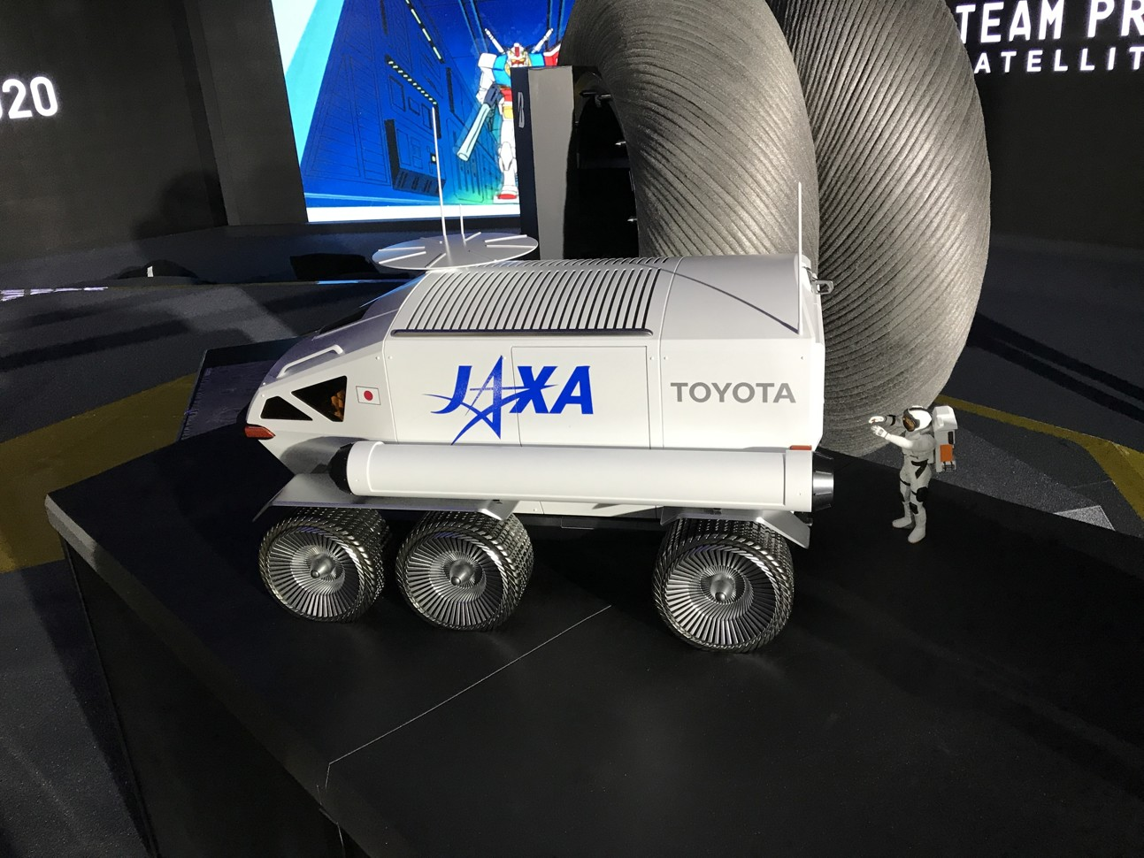 Автомобили Toyota отправятся на Луну 1