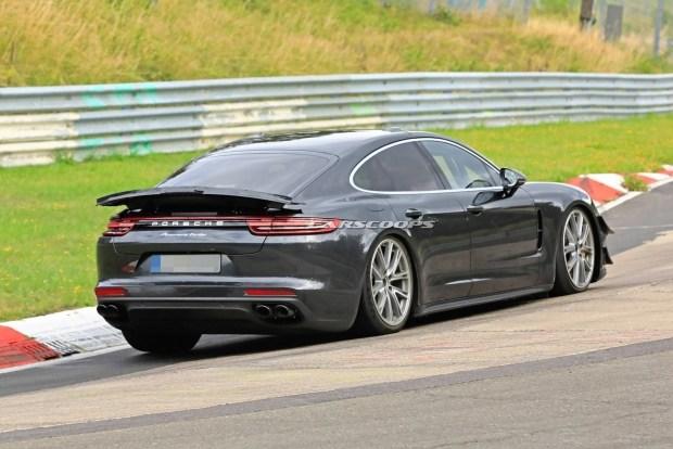 Porsche Panamera готовится установить рекорд трассы Нюрбургринг 2