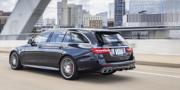 Mercedes-Benz отзывает автомобили E-Class и AMG E63 S из-за спойлера 1