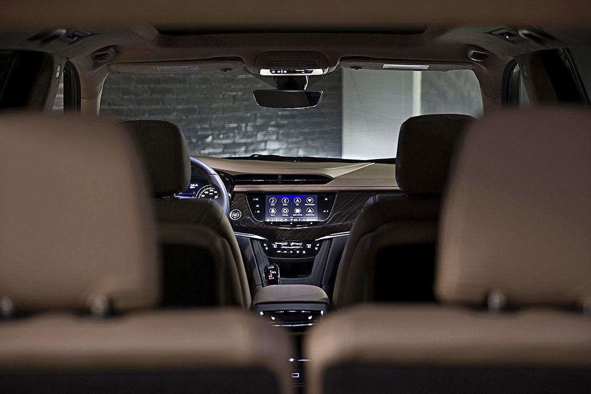 Тест-драйв Cadillac XT6 4