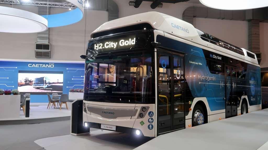 В Европе запустят автобусы на топливных элементах Toyota Mirai 1