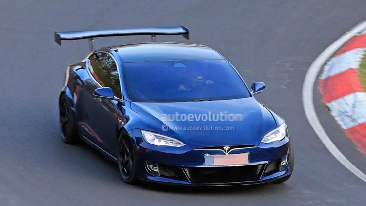 Необычная версия Tesla Model S замечена на Нюрбургринге 1