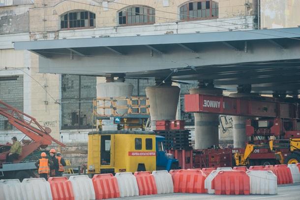 В Киеве установлен прогон Шулявского моста 3