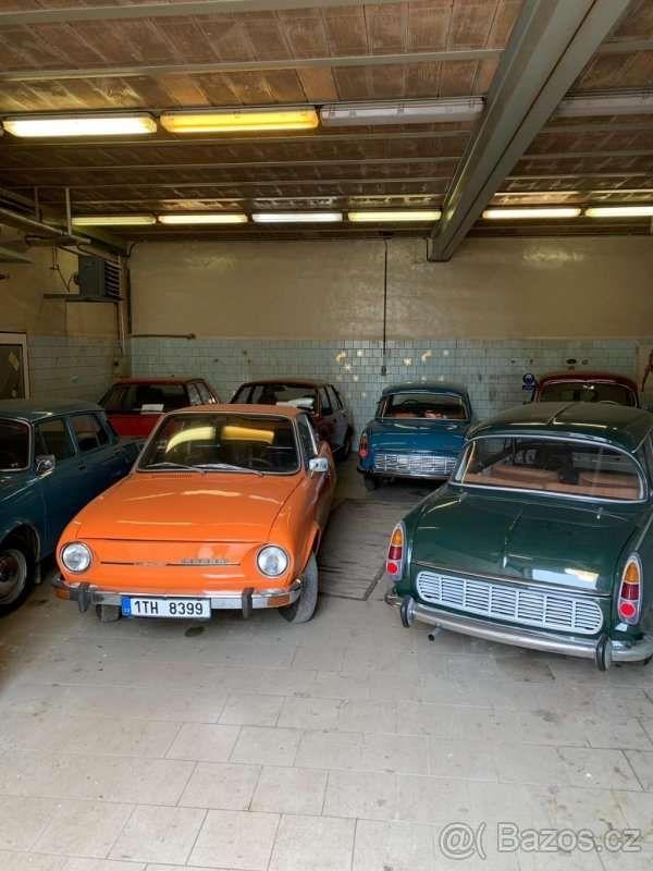 Коллекцию классических автомобилей Skoda оценили как два Porsche Panamera 1
